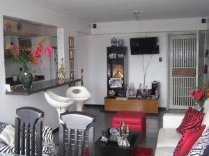 Apartamento En Venta En Caracas - Guaicay Código FLEX: 14-6685 No.5