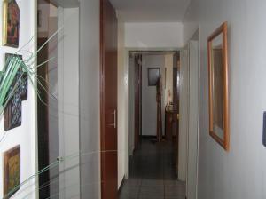 Apartamento En Venta En Caracas - Guaicay Código FLEX: 14-6685 No.10