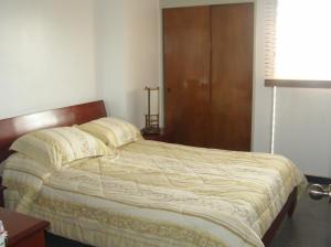 Apartamento En Venta En Caracas - Guaicay Código FLEX: 14-6685 No.11