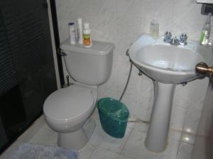 Apartamento En Venta En Caracas - Guaicay Código FLEX: 14-6685 No.16