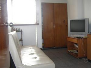 Apartamento En Venta En Caracas - Guaicay Código FLEX: 14-6685 No.12