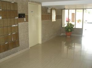 Apartamento En Venta En Caracas - Guaicay Código FLEX: 14-6685 No.1