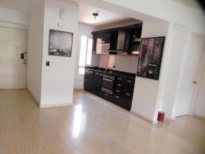 Apartamento En Venta En Caracas - Los Pomelos Código FLEX: 14-6929 No.9