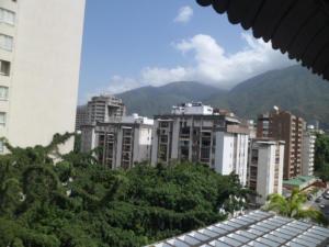 Apartamento En Venta En Caracas - Los Palos Grandes Código FLEX: 14-7198 No.1