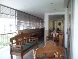 Apartamento En Venta En Caracas - Los Palos Grandes Código FLEX: 14-7198 No.4