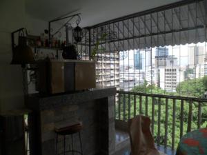 Apartamento En Venta En Caracas - Los Palos Grandes Código FLEX: 14-7198 No.5