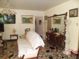 Apartamento En Venta En Caracas - Los Palos Grandes Código FLEX: 14-7198 No.6