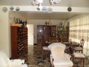 Apartamento En Venta En Caracas - Los Palos Grandes Código FLEX: 14-7198 No.7
