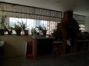 Apartamento En Venta En Caracas - Los Palos Grandes Código FLEX: 14-7198 No.10