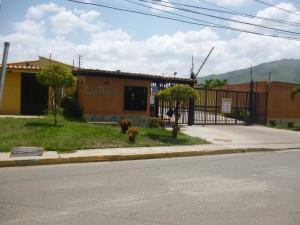 Casa En Venta En Municipio San Diego, Pueblo De San Diego, Venezuela, VE RAH: 14-7223
