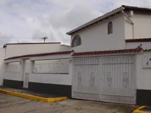 Casa En Venta En Los Teques, San Homero, Venezuela, VE RAH: 14-7559