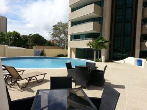 Apartamento En Venta En Valencia, Valle Blanco, Venezuela, VE RAH: 14-7831