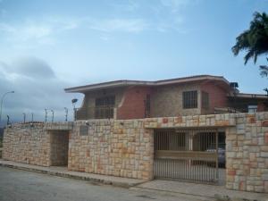 Casa En Venta En Margarita, Costa Azul, Venezuela, VE RAH: 14-7875