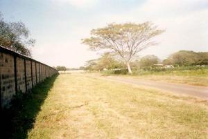 Terreno En Venta En Maracaibo, Via Aeropuerto, Venezuela, VE RAH: 14-7999