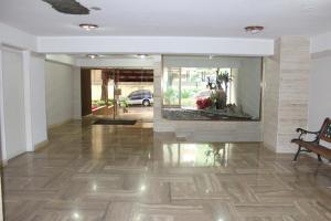 Apartamento En Venta En Caracas - Terrazas del Club Hipico Código FLEX: 14-7966 No.1