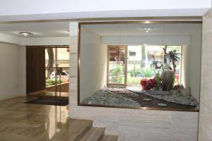 Apartamento En Venta En Caracas - Terrazas del Club Hipico Código FLEX: 14-7966 No.2