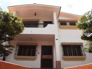 Casa En Venta En Valencia, El Parral, Venezuela, VE RAH: 14-8342
