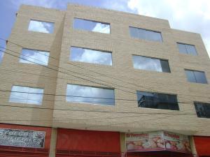 Edificio En Venta En Maracay, Zona Centro, Venezuela, VE RAH: 14-8574