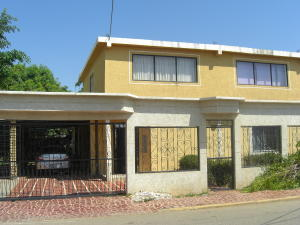 Casa En Venta En Ciudad Ojeda, La 'l', Venezuela, VE RAH: 14-8687