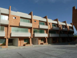 Townhouse En Venta En Caracas, Loma Linda, Venezuela, VE RAH: 14-8744