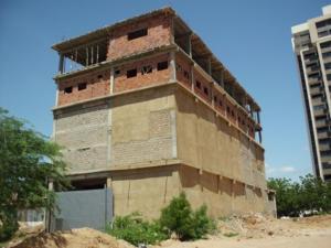 Terreno En Venta En Maracaibo, Avenida El Milagro, Venezuela, VE RAH: 14-9067