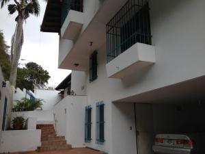 Casa En Venta En Caracas, Las Mesetas De Santa Rosa De Lima, Venezuela, VE RAH: 14-9105