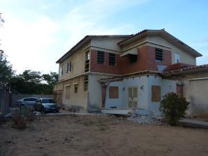 Casa En Venta En Maracaibo, Avenida Baralt, Venezuela, VE RAH: 14-9515
