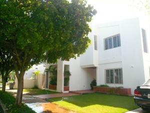 Casa En Venta En Maracaibo, Fuerzas Armadas, Venezuela, VE RAH: 14-9586