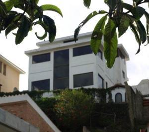 Casa En Venta En San Antonio De Los Altos, Los Castores, Venezuela, VE RAH: 14-9972