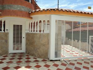 Casa En Venta En Valencia, Prebo Iii, Venezuela, VE RAH: 14-10021