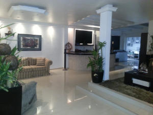 Casa En Venta En Maracaibo, Zona Norte, Venezuela, VE RAH: 14-10203