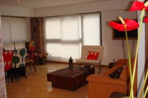 Apartamento En Venta En Caracas - Campo Alegre Código FLEX: 14-10216 No.1