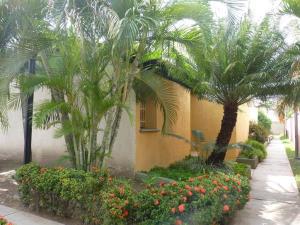 Townhouse En Venta En Cagua, La Ciudadela, Venezuela, VE RAH: 14-10405