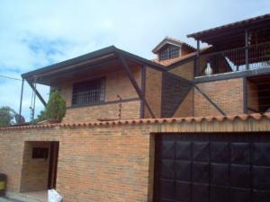 Casa En Venta En San Antonio De Los Altos, Las Salias, Venezuela, VE RAH: 14-10432