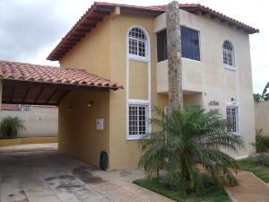 Townhouse En Venta En El Tigre, Centro, Venezuela, VE RAH: 14-10554