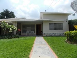 Casa En Venta En Valencia, Guaparo, Venezuela, VE RAH: 14-10556