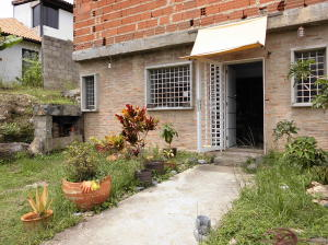 Casa En Venta En Caracas, Bosques De La Lagunita, Venezuela, VE RAH: 14-10567