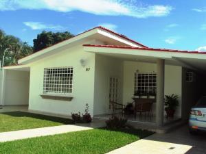Casa En Venta En Maracay, La Floresta, Venezuela, VE RAH: 14-10572