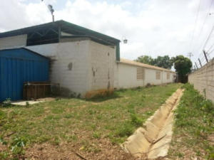 Galpon - Deposito En Venta En Barquisimeto, Parroquia Tamaca, Venezuela, VE RAH: 14-10596