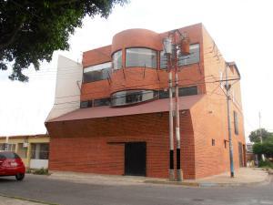 Local Comercial En Venta En Maracay, El Hipodromo, Venezuela, VE RAH: 14-10645