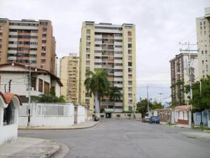 Apartamento En Venta En Maracay, Urbanizacion El Centro, Venezuela, VE RAH: 14-10684
