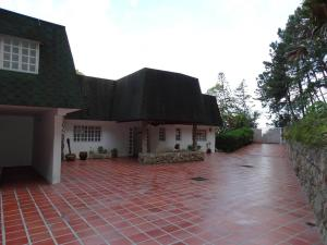 Casa En Venta En San Antonio De Los Altos, Club De Campo, Venezuela, VE RAH: 14-10830
