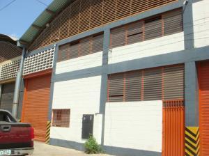 Galpon - Deposito En Ventaen Guatire, Guatire, Venezuela, VE RAH: 14-11106
