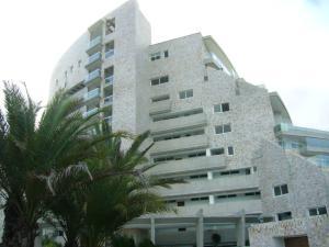 Apartamento En Venta En Margarita, El Morro, Venezuela, VE RAH: 14-11118