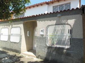 Casa En Venta En Cua, Santa Rosa, Venezuela, VE RAH: 14-11258
