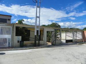 Casa En Venta En San Joaquin, La Pradera, Venezuela, VE RAH: 14-11359