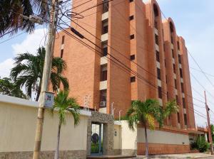 Apartamento En Venta En Maracaibo, Zapara, Venezuela, VE RAH: 14-11377