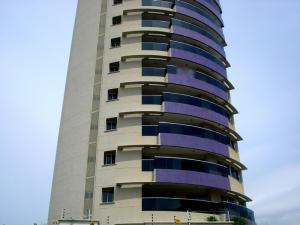 Apartamento En Venta En Maracaibo, Valle Frio, Venezuela, VE RAH: 14-11528