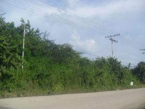 Terreno En Venta En Santa Cruz De Aragua, Zona Industrial San Crispin, Venezuela, VE RAH: 14-12271