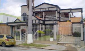 Casa En Venta En Valencia, La Viña, Venezuela, VE RAH: 14-12304